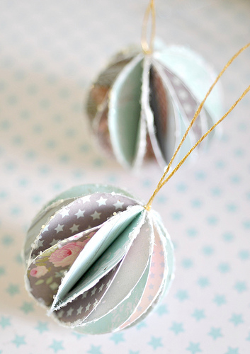 Cool things to make with unwanted moving boxes for Cool paper ornaments